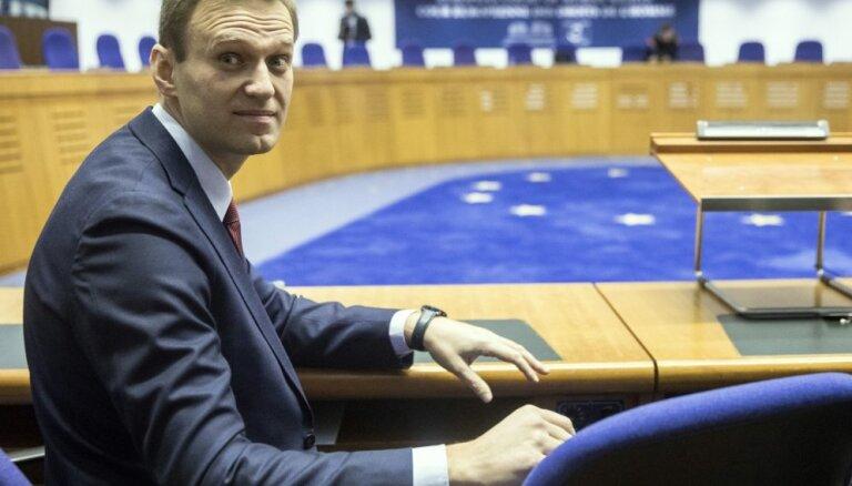 Krievijas opozicionāra Navaļnija aizturēšanas bija politiski motivētas, lemj ECT