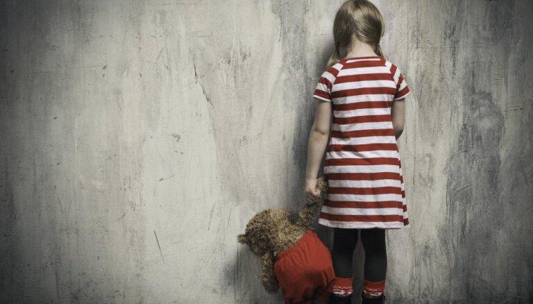 В Риге женщина ремнем избила свою десятилетнюю дочь