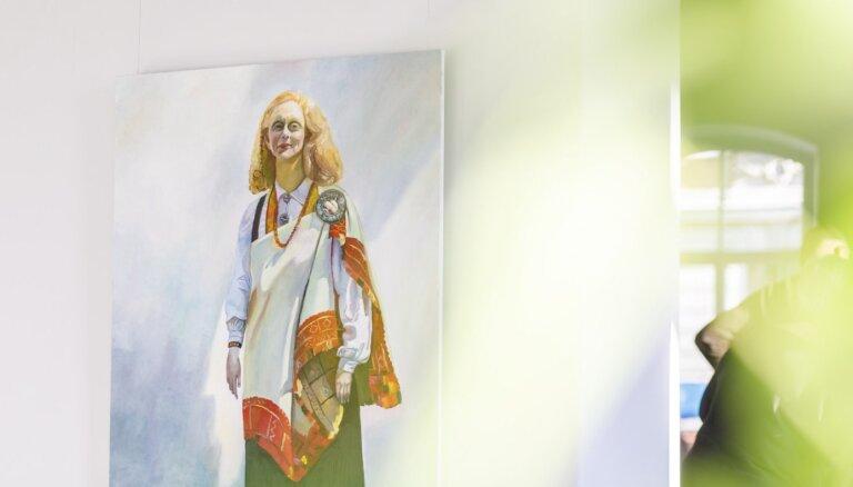 Foto: Maijas Tabakas jubilejas izstāde galerijā 'Daugava'