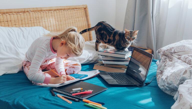 Eksperte: līdz 12 gadiem attālinātā mācīšanās nav piemērota
