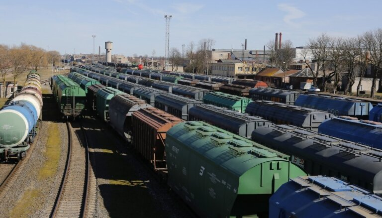 """Pieaudzis pa VAS """"Latvijas dzelzceļš"""" pārvadāto iekšzemes kravu apjoms"""