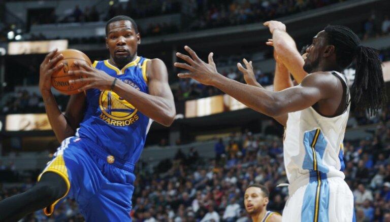 'Warriors' sasniedz NBA izslēgšanas turnīra otro kārtu