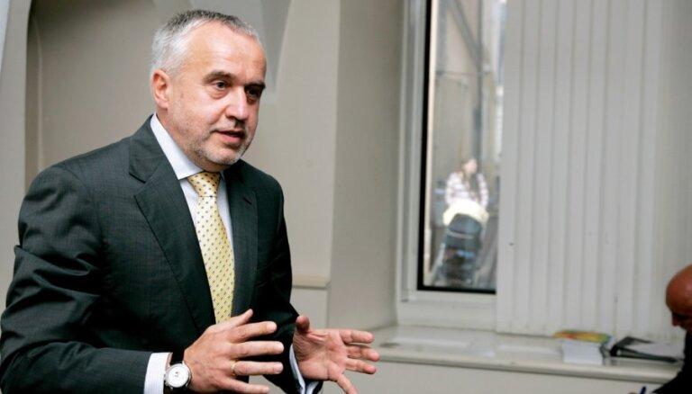 Šķēli uz Baltkrieviju uzaicinājis prezidenta padomnieks Ronis