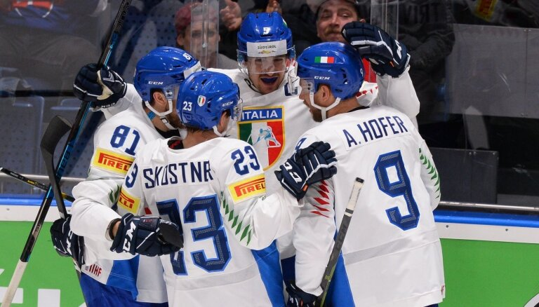 Sparīgā Itālija 'bullīšos' pārsteidz Austriju un triumfē izdzīvošanas spēlē
