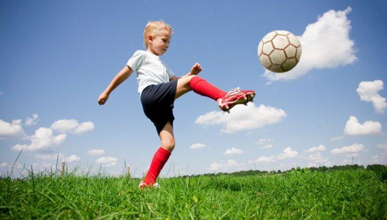 Kādas veselības pārbaudes jāveic bērniem, kuri intensīvi sporto