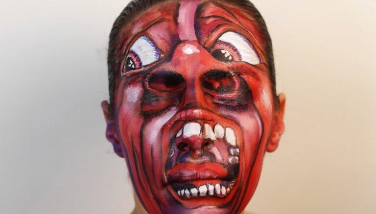 Mūzikas fane mīļāko albumu vāciņus uzkrāso uz sejas