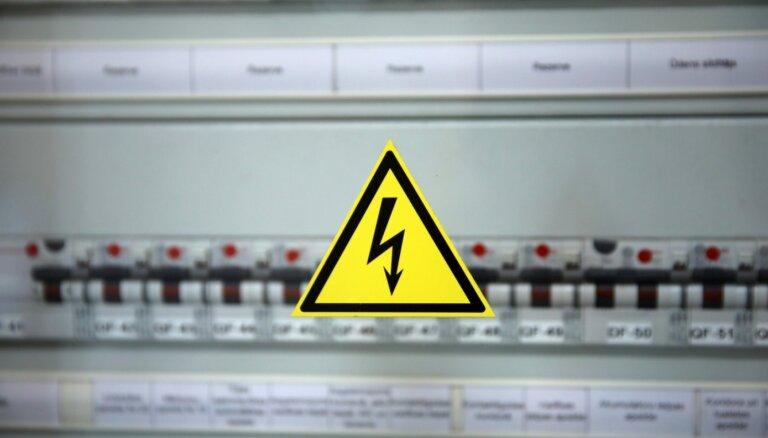 Rīgā traucēta elektroapgāde apmēram 22 600 'Sadales tīkla' klientiem
