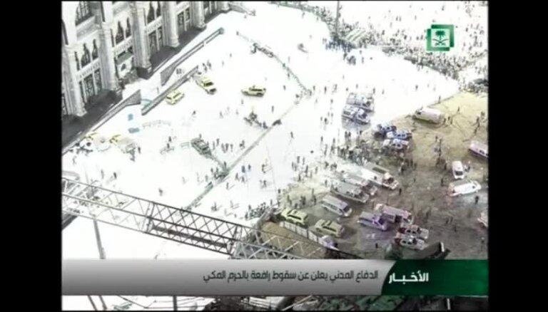 Mekā 87 cilvēki iet bojā, vētrā pie Lielās mošejas nogāžoties ceļamkrānam
