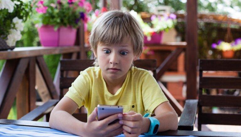 Policija ar supervaroņu palīdzību aicina bērnus kļūt par gudriem interneta lietotājiem