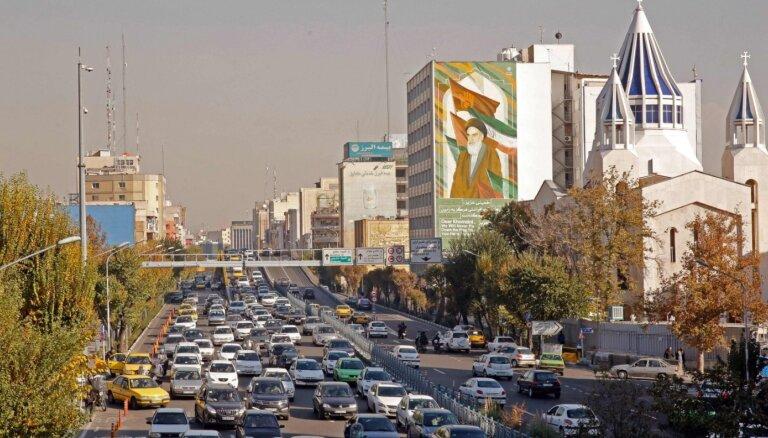 Irānas Revolucionārā gvarde: protesti pret benzīna cenu paaugstināšanu ir beigušies