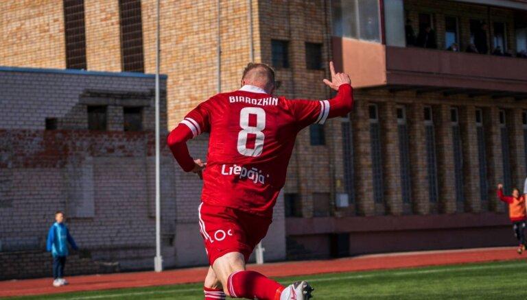 'Liepājas', 'Valmieras' un 'Riga' futbolisti pievienojas RFS Latvijas kausa pusfinālā