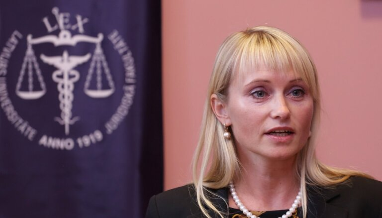 Saeimas komisija atbalsta Rodiņas apstiprināšanu ST tiesneša amatā