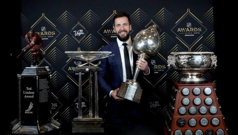 Kučerovs atzīts par NHL sezonas vērtīgāko spēlētāju