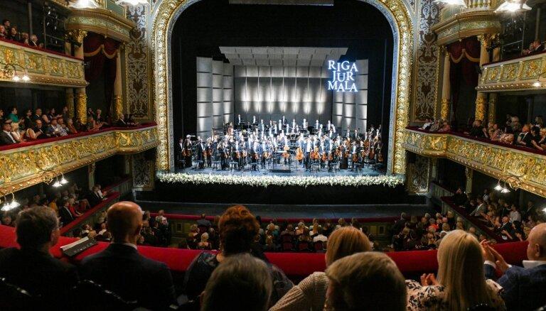 Foto: Ar krāšņu koncertu atklāts mūzikas festivāls 'Rīga Jūrmala'