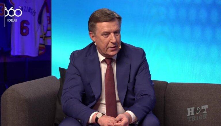Premjers Kučinskis par bobsleja kamanām un medaļām