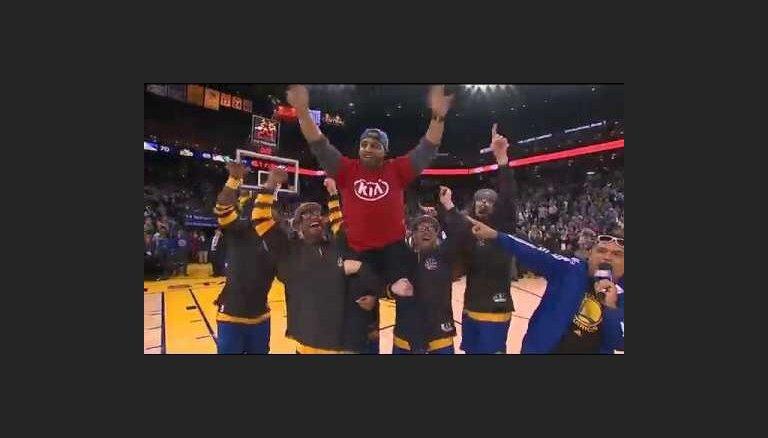 Video: Kārtējais precīzais NBA līdzjutējs tālmetienu konkursā iegūst mašīnu