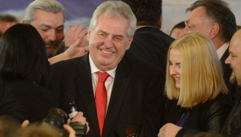 Президент Чехии назвал Pussy Riot матерным словом