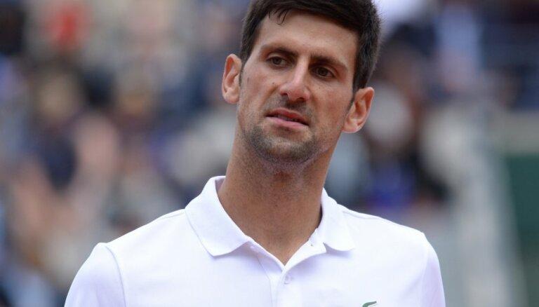 Džokovičs pēc zaudējuma Tīmam neizslēdz iespēju paņemt pārtraukumu no tenisa