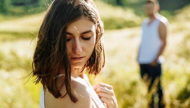 Šķiršanās kļūdas, kas attiecību beigas padara vēl neizturamākas