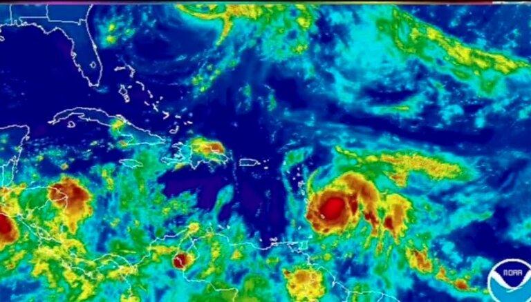 Piektās kategorijas viesuļvētra 'Marija' sasniegusi Karību salas