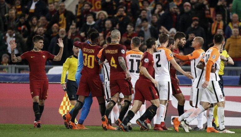 UEFA pēc Ukrainas pieprasījuma sāk izmeklēšanu pret 'AS Roma' par Doņeckas separātistu simboliku tribīnēs