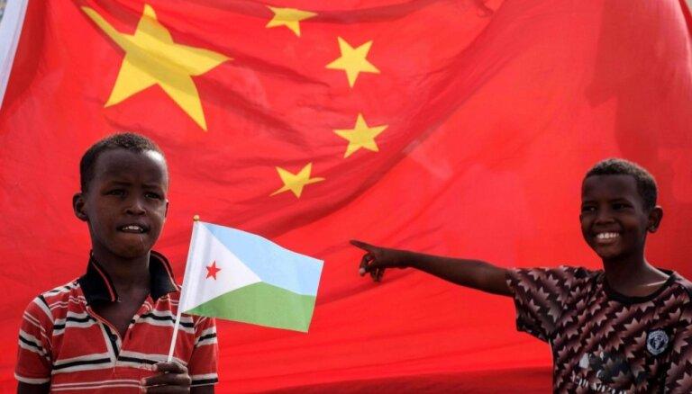 Foto: Džibutijā atklāj ķīniešu celtu trīs miljardus vērtu ekonomisko zonu