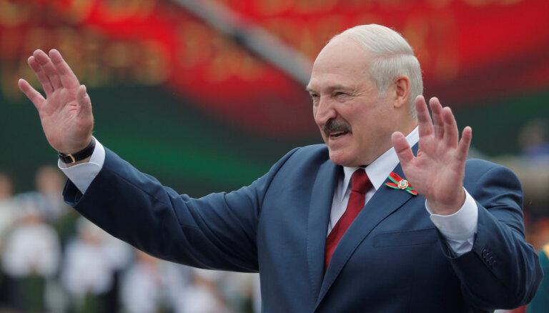 Лукашенко обвинил Москву во лжи и пообещал не допустить революции