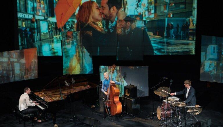 Foto: Džezs un mīlestība – izskanējis Valentīndienas koncerts 'Lielajā dzintarā'