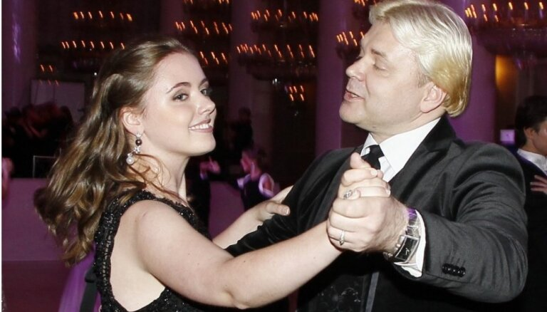 Внучка Раймонда Паулса хочет покорить Голливуд