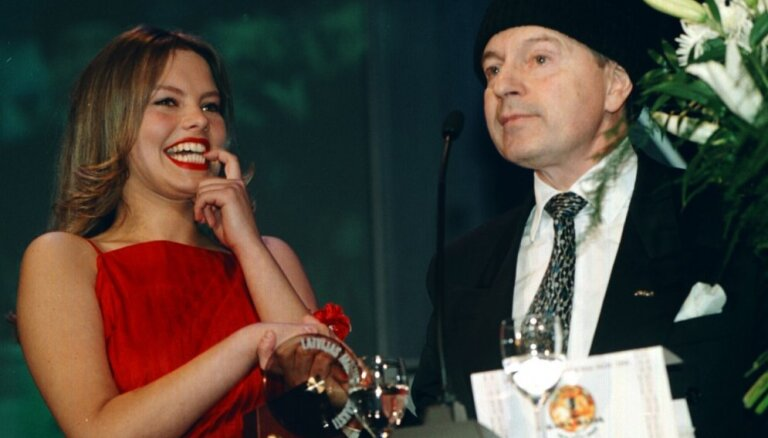 Foto: Aizkustinoši, svinīgi un komiski mirkļi – Mūzikas ierakstu Gada balvas vēsture