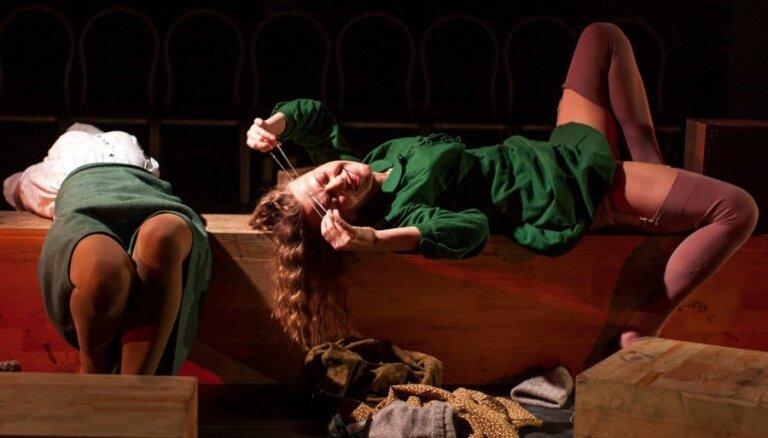 Foto: Pirmizrādi Nacionālajā teātrī piedzīvos 'Dejas Lūnasas svētkos'