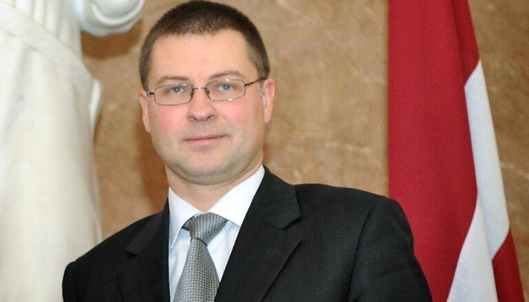 Домбровскис порадовался на встрече с членом верхушки Компартии Китая