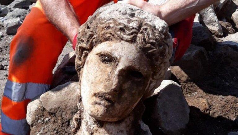 Romā atrasta 2000 gadu veca Dionīsa galva