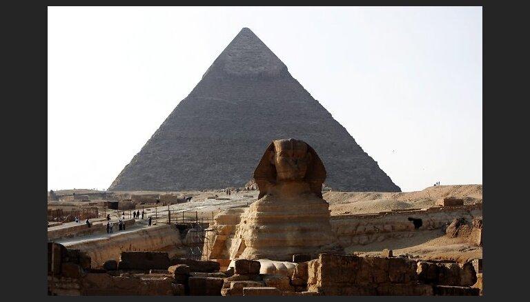 Maskavas 'draugu klubs': Ēģipte mudina vietējos uzņēmumus tirdzniecībā pieņemt rubļus