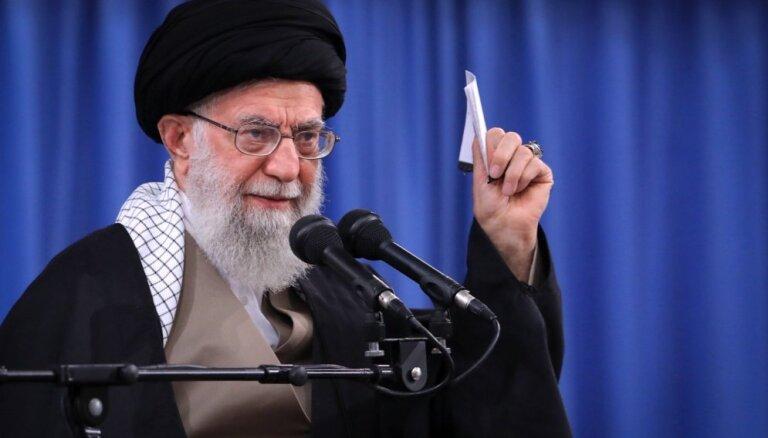 Ajatolla: ASV Tuvo Austrumu miera plāns ir islāma pasaules lielā nodevība