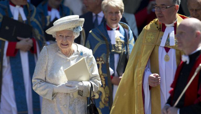 Принц Гарри считает Елизавету II больше боссом, чем бабушкой