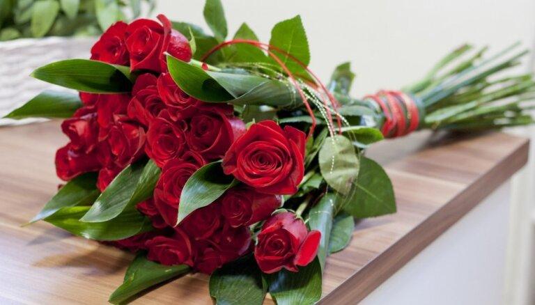 Zelta vērti ieteikumi, kā izraudzīties svaigākos ziedus sveikšanai
