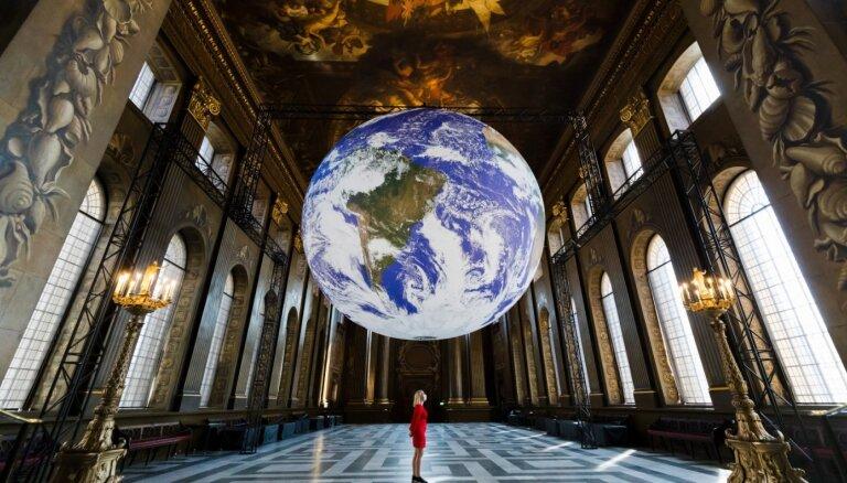 Mākslas darbu līdzautors – daba. Kas ir zemes māksla?