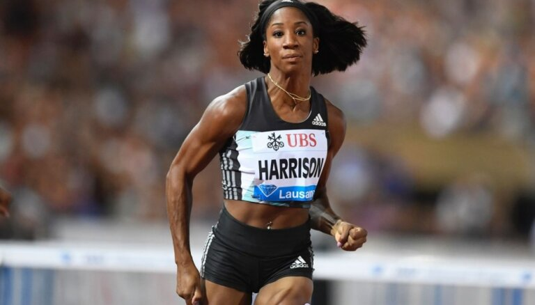 Video: Pasaules rekordiste startē ar lauztu roku un uzvar IAAF Dimanta līgas sacensībās barjerskriešanā