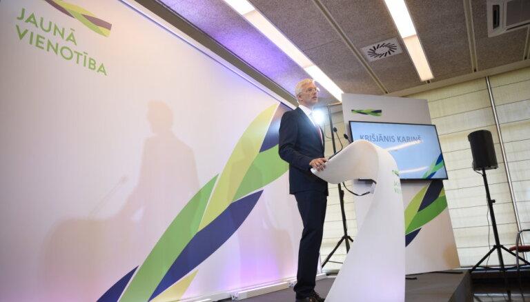 'Jaunā Vienotība' iesniedz deputātu kandidātu sarakstu; Kariņš un Straujuma nestartē