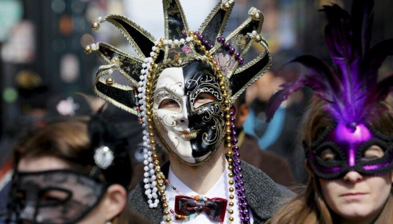 ФОТО: В Новом Орлеане прошел традиционный карнавал Марди Гра