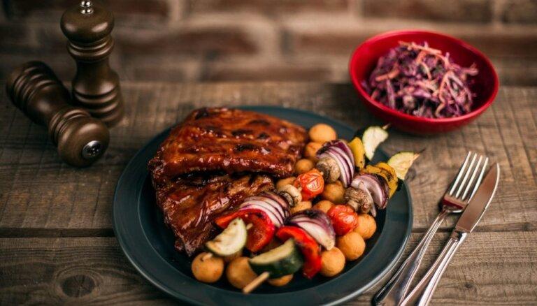 Lietuvieši plāno rīkot restorānu tirgus revolūciju arī Latvijā