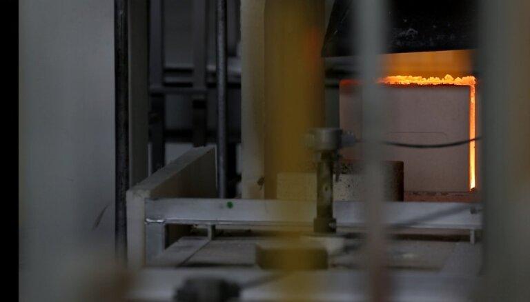 'Valmieras stikla šķiedra' investējusi deviņus miljonus eiro stikla kausēšanas krāsns pārbūvē