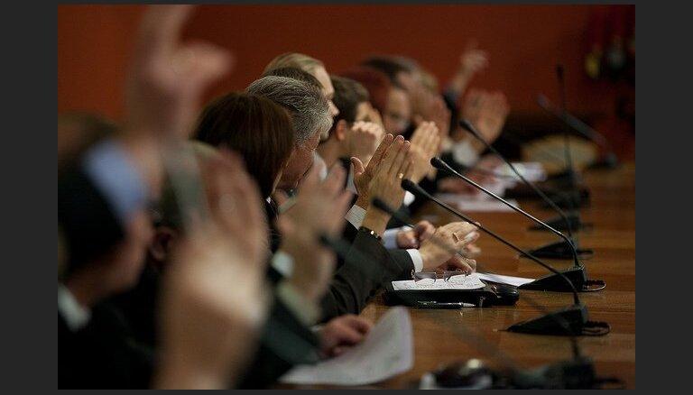 Cilvēktiesību komisija rosina pilnveidot topošo jauno Repatriācijas likumu