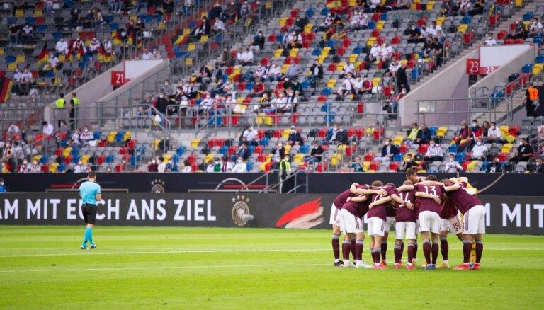 Latvijas un Igaunijas futbola izlašu spēli Tallinā varēs apmeklēt 800 skatītāji