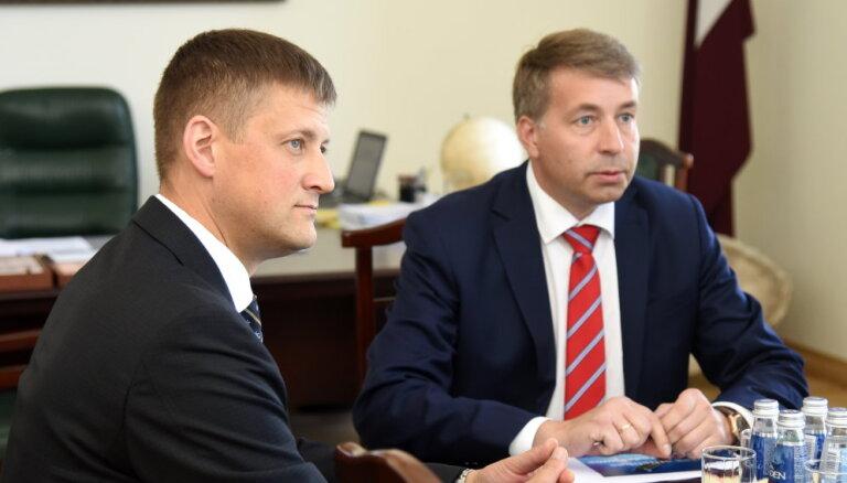 Аугулис поддержал кандидатуру Зелтиньшa на должность управляющего Рижским свободным портом