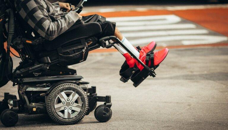 Получателям пенсии по выслуге лет с инвалидностью выплатят 200 евро