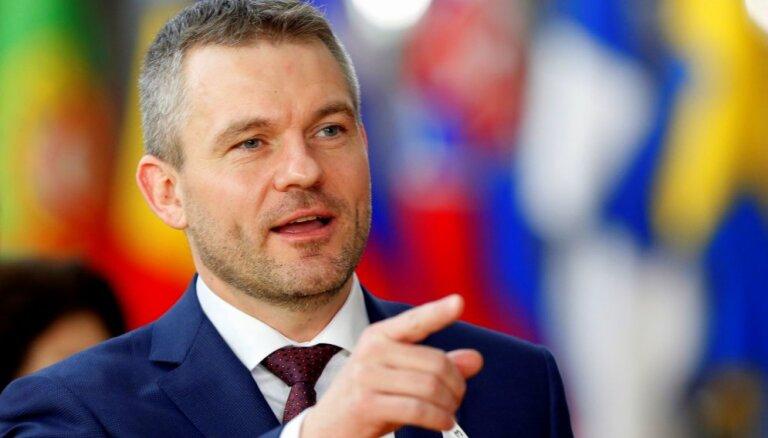 Slovākijas jaunā valdība iztur uzticības balsojumu