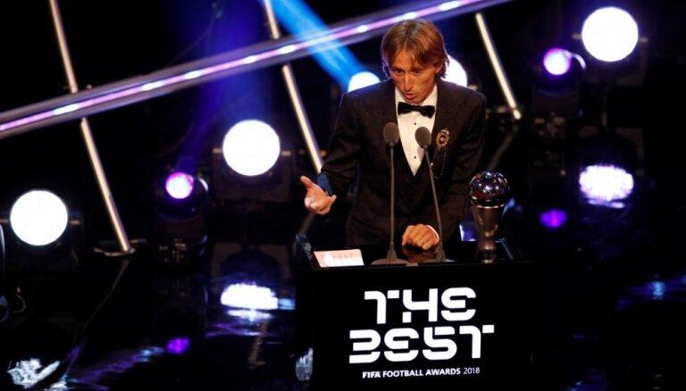 Modričs iegūst FIFA labākā futbolista balvu un pārtrauc Mesi un Ronaldu desmit gadu ilgo dominanci
