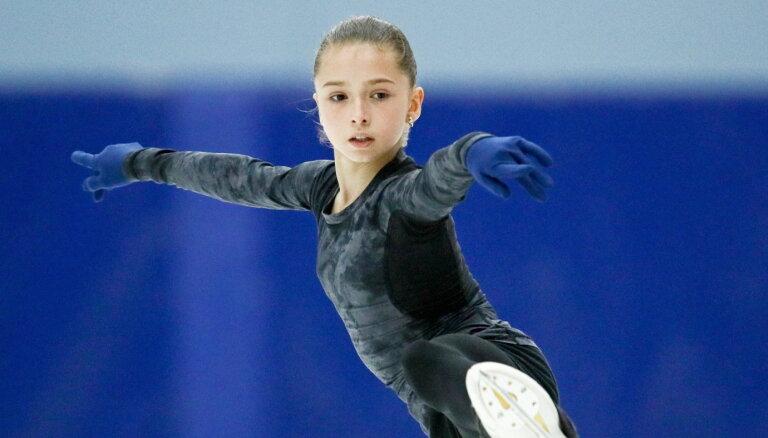Мировой рекорд Валиевой: как Загитова обыграла Медведеву